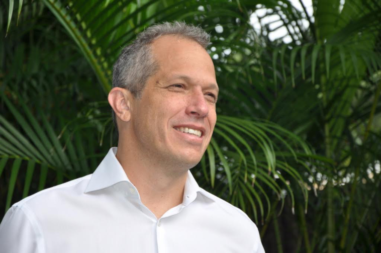 Curtis Michelson speaking with Inter-View during 2016